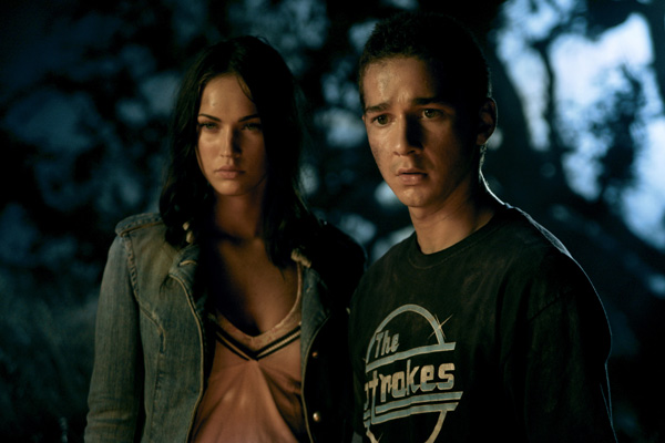 megan_fox_and_shia_labeouf_transformers_the_movie