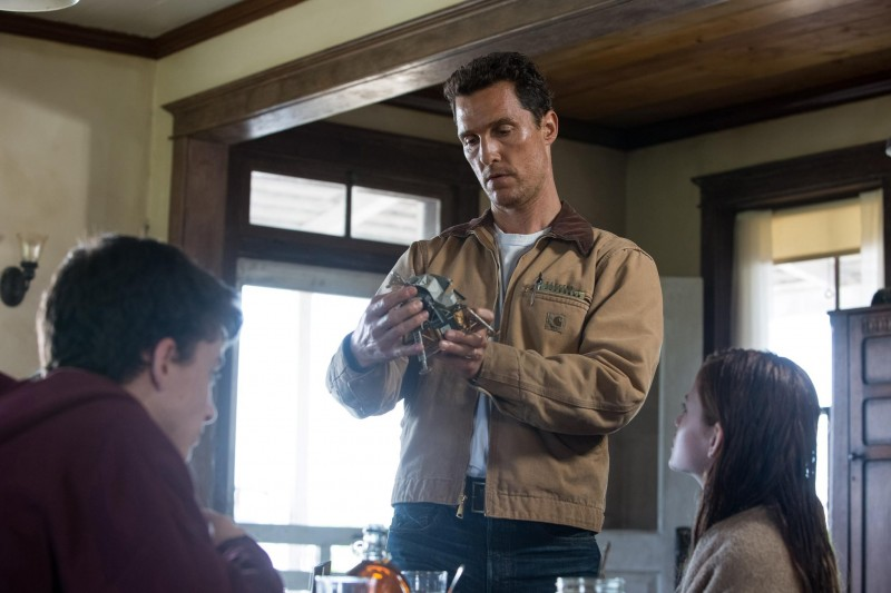 interstellar still-of-matthew-mcconaughey-in-interstellar-(2014)-large-picture