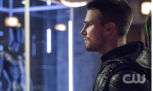 "Arrow -- ""Green Arrow"" -- Image AR401A_0294b -- Pictured: Stephen Amell as Oliver Queen -- Photo: Dean Buscher /The CW -- © 2015 The CW Network, LLC. All Rights Reserved."