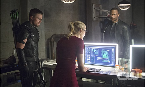 "Arrow -- ""Restoration"" -- Image AR403A_0217b.jpg -- Pictured (L-R): Steven Amell as Oliver Queen, Emily Bett Rickards as Felicity Smoak and David Ramsey as John Diggle -- Photo: Diyah Pera /The CW -- © 2015 The CW Network, LLC. All Rights Reserved."
