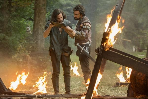 Leonardo (Tom Riley) and Zo inspect the Ottoman armor after a failed experiment. Photo via Rotten Tomatoes.