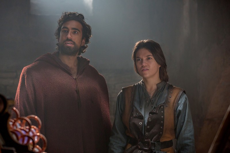 Zo (Gregg Chillin) and Sophia (Sabrina Bartlett)