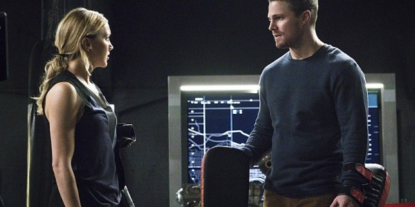 "Arrow -- ""A.W.O.L."" -- Image AR411A_0057b.jpg -- Pictured (L-R): Katie Cassidy as Laurel Lance and Stephen Amell as Oliver Queen -- Photo: Liane Hentscher/ The CW -- © 2016 The CW Network, LLC. All Rights Reserved."