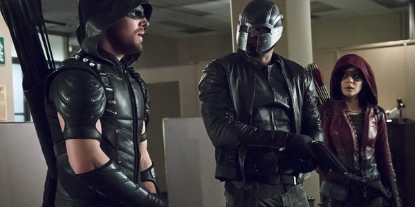 "Arrow -- ""Code of Silence"" -- Image AR414A_0012b.jpg -- Pictured (L-R): Stephen Amell as The Arrow, David Ramsey as John Diggle/Spartan, and Willa Holland as Thea Queen / Speedy -- Photo: Katie Yu/ The CW -- © 2016 The CW Network, LLC. All Rights Reserved."