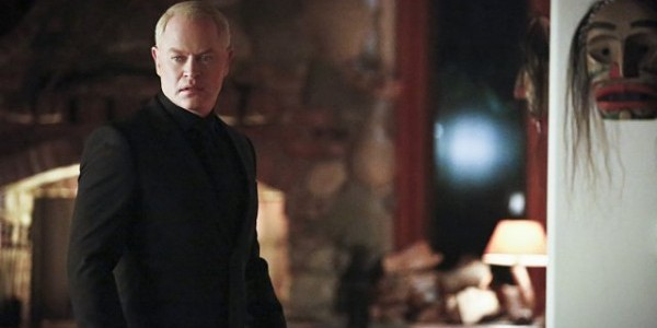 arrow-taken-neal-mcdonough-image-600x399