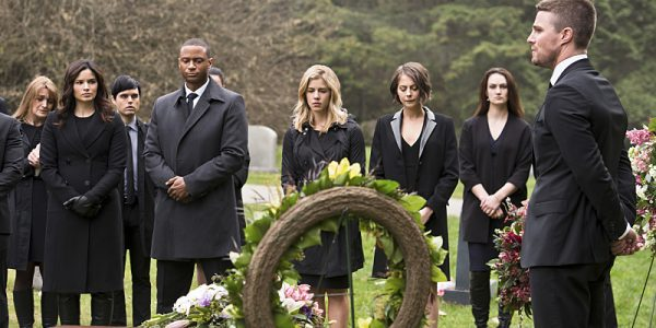 "Arrow -- ""Canary Cry"" -- Image AR419b_0045b.jpg -- Pictured (L-R): Katrina Law as Nyssa al Ghul, David Ramsey as John Diggle, Emily Bett Rickards as Felicity Smoak, Willa Holland as Thea Queen and Stephen Amell as Oliver Queen -- Photo: Diyah Pera/The CW -- © 2016 The CW Network, LLC. All Rights Reserved."
